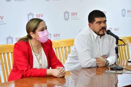 De manera transparente, entrega SEV 130 nuevas plazas a docentes de primaria
