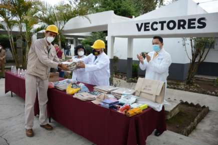 Secretaría de Salud renueva uniformes y equipo del personal de Vectores