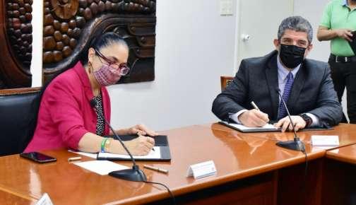 SEDECOP y UV signan convenio para impulsar sectoresproductivos