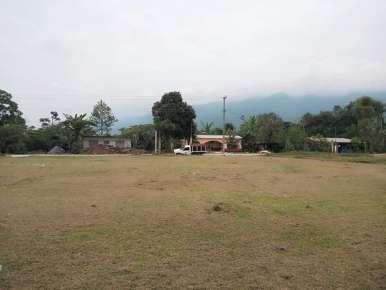 Ayuntamiento de Huatusco, contribuyendo con el bienestar de los espacios educativos.