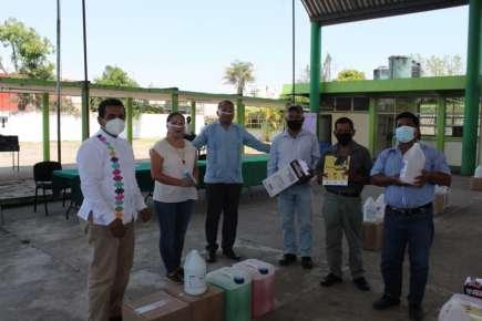 Entrega SEV insumos de limpieza a escuelas de básica y superior en Catemaco y Altas Montañas