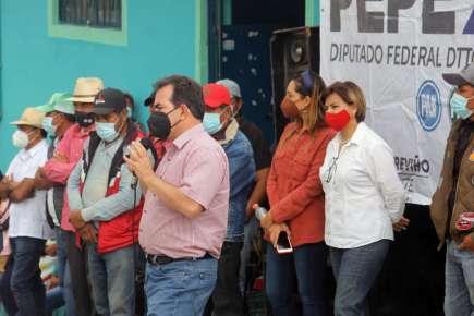 El día de hoy Pepe Yunes visito Tonalaco en donde le expresan su confianza y ánimo