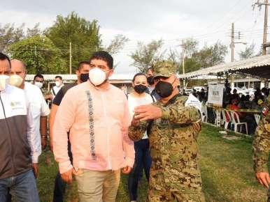 Cerca de mil docentes de la zona norte vacunados por hora en Tuxpan