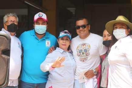 """Jesús Hernández \""""El Peque\"""" Candidato a la Diputación Local del Distrito 01 de Pánuco del Partido Unidad Ciudadana, acudió al Mercado Juárez"""