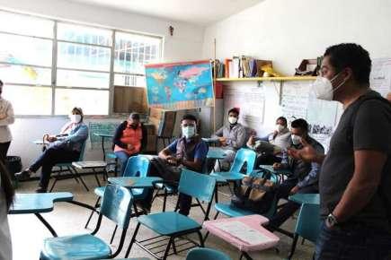 Docentes veracruzanos realizan labores presenciales en la ruta al inicio del escolar